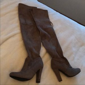 Steven Madden Gorgeous Boots (Fits like a 6.5)